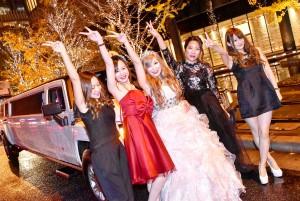 念願のウェディングドレスでのリムジンパーティー