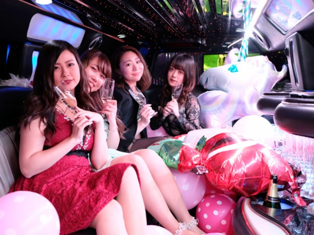 パーティーリムジン大阪女子